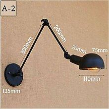 Verstellbare Wandlampe mit langem Arm