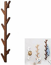 Vertikaler Garderobenständer aus Holz An der Wand