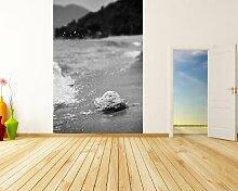 Vlies Fototapete - Tropischer Strand mit Stein -