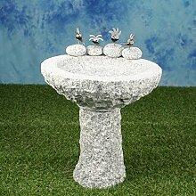 Vogelbad aus Granit mit Fuß (4 Steinvögel am Rand sitzend)
