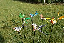 Vogelstecker mit Federn Vogel Metall Deko Stecker Gartendeko Stab lackiert Beetstecker (Blau)