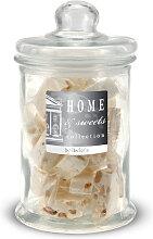 Vorratsglas gefüllt mit softem Honignougat