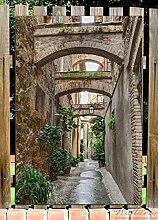Wallario Garten-Poster Outdoor-Poster - Grüne italienische Gasse - mit alten Bögen in Premiumqualität, Größe: 61 x 91,5 cm, für den Außeneinsatz geeigne