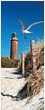 Wallario Glasbild Möwe am Strand mit Leuchtturm -