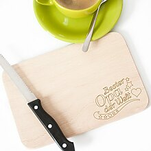 "Wandkings Frühstücksbrettchen mit Gravur ""Bester Opa der Welt"" – aus Holz – 22 x 14,5 x 1 cm"