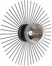 Wandlampe mit silberfarbenem Glaskugelschirm und