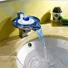 Waschbecken Wasserhahn mit Wasser-Energien-LED