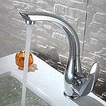 Wasserhahn mit multifunktionalem Design,
