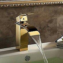 Wasserhahn Waschbecken Wasserhahn mit fertigem