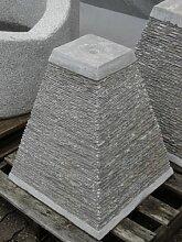 Wasserpyramide Brunnen aus grauem Kalkstein - Trog
