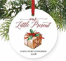 Weihnachten Ornament Crafts Schwangerschaft Ankündigung 2018erwarten Eltern Unsere Little Present Xmas Tree Ornament Kleiderbügel Geschenk für Frauen