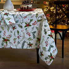 Weihnachtliche Matelassé Tischdecke mit