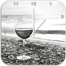 Weinglas am Steinstrand Kohle Zeichnung Effekt, Wanduhr Quadratisch Durchmesser 48cm mit weißen spitzen Zeigern und Ziffernblatt, Dekoartikel, Designuhr, Aluverbund sehr schön für Wohnzimmer, Kinderzimmer, Arbeitszimmer