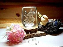 Weinglas, handgraviert, ohne Stiel, mit Blumenmotiv