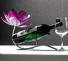 Weinregal-Dekoration, einzelne Flasche
