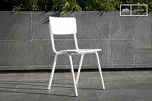 Weisser Stuhl Skole skandinavisches Design