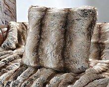 Wohnen & Accessoires Edles Premium Fellkissen Wolf