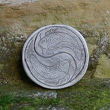 Wunderschöne chinesische japanische Trittplatte Bodenplatte Motiv: Koi aus Steinguss frostfes