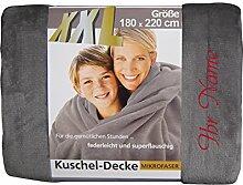 XXL-Decke mit Namen/Wunschtext bestickt, 180 x 220 cm, Farbe silber, Stickfarbe Name rot; Decke, Wohndecke, Tagesdecke; Übermittlung Wunsch siehe Beschreibung