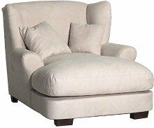XXL-Sessel / Cremefarbener Polstersessel mit Massivholzfüßen, großer Sitzfläche, Polsterung und 2 weichen Zierkissen / 120x99x145 (BxHxT)
