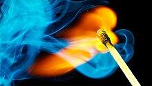 YUCHAO Blue Flame Streichhölzer 5D Schöne