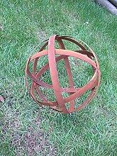 Zen Man Edelrost Gartenkugel aus Metall Rost