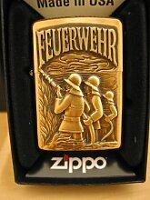 Zippo 2.003.704 Feuerzeug Feuerwehr Emblem Altmessing, Brass brushed