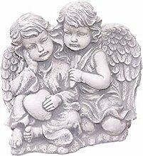 Zwei Engel mit Herz, Figur aus Steinguss, Frostfes