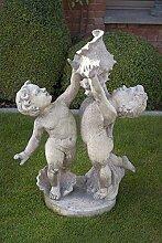 Zwei Kinder mit Muschel, Steinfigur, Gartenfigur Farbe weissgrau